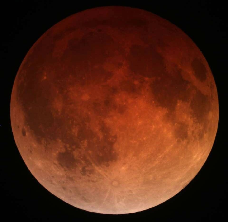 ליקוי ירח מלא – החופש מהמוכר והידוע